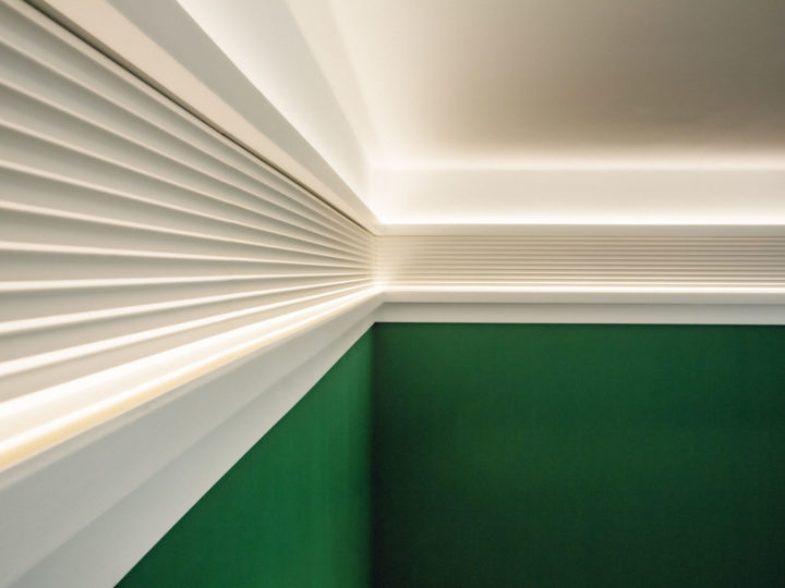 Combinations of Cornices, an elegant indirect lighting solution