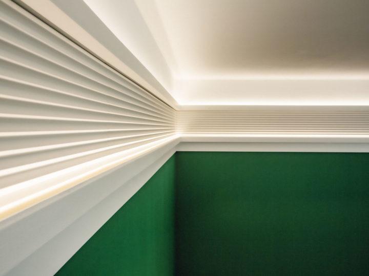 Combinaisons de Corniches, une élégante solution d'éclairage indirect